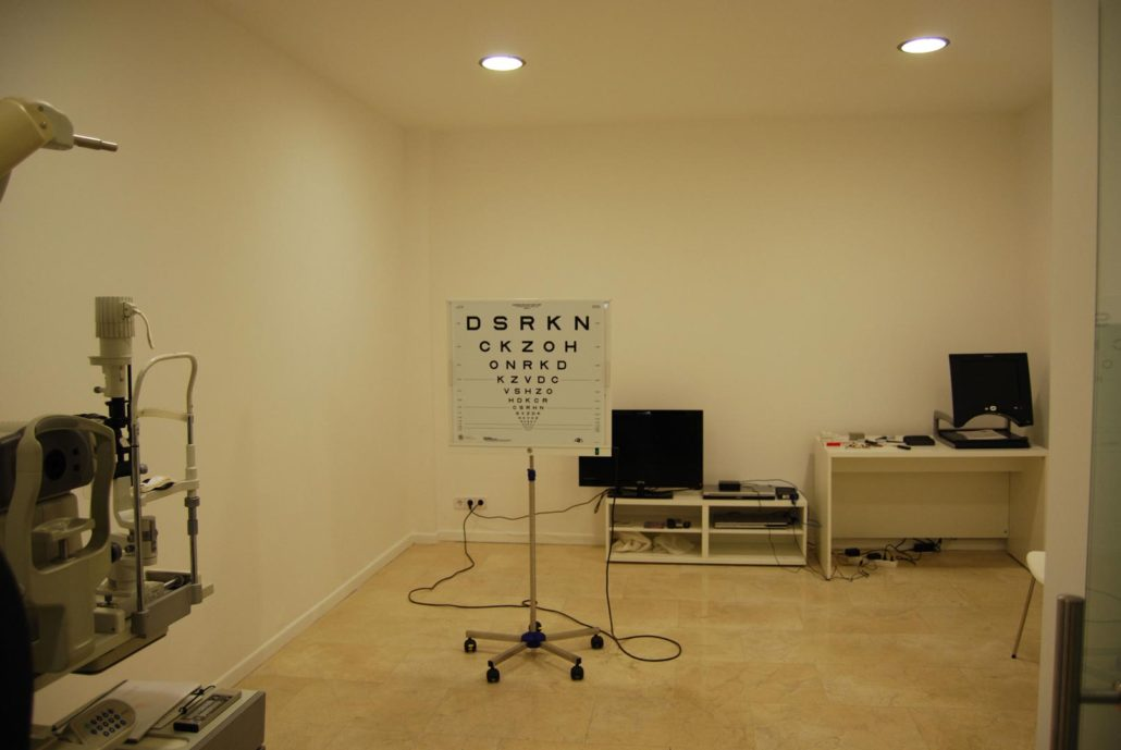 Sala con aparatos de medición
